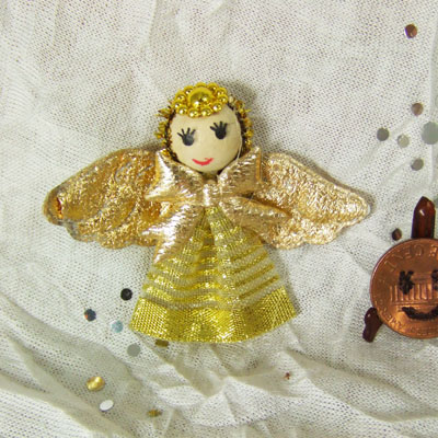 "Dollhouse miniature Gold Angle for 1"" Christmas Tree top"