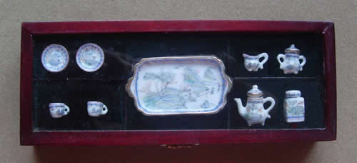 EP 05043 -Collectible Blue Porcelain Tea Party set w/ a tray