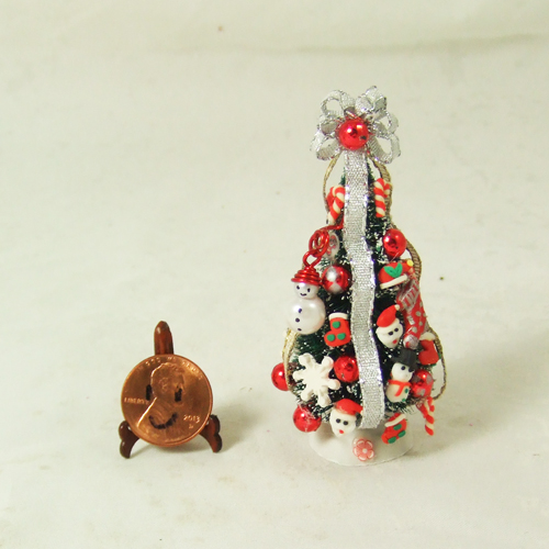 "Dollhouse Xmas Tree #18 1/24 or 1/48 - 2 3/4"" tall"