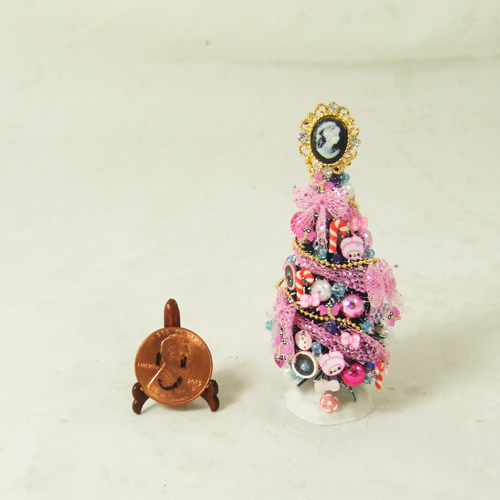"Dollhouse Xmas Tree #23 1/24 or 1/48 - 2 3/4"" tall"